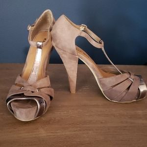 Madden Girl Taupe Suede Heels - Size 7.5